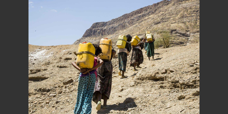 Tägliches Wasserholen. Aufgabe der Frauen. Aethiopien | © Fatoumata Diabate
