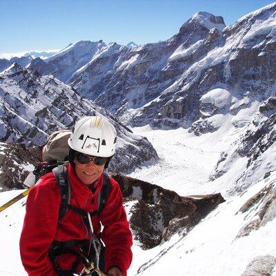 Langer Atem: Veronika Meyer 2009 beim Versuch, den 7756 Meter hohen Kamet in Indien zu besteigen. | © Helvetas / Bruno Locher