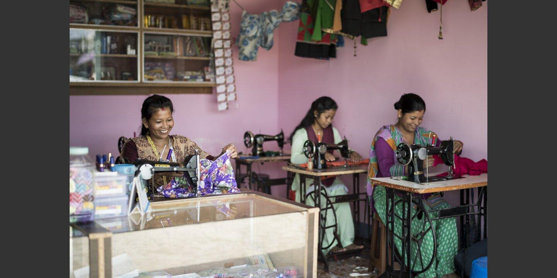 Employment Fund Nepal Näherinnen | © Helvetas / Simon B. Opladen