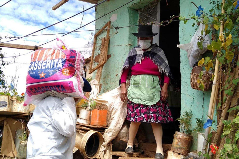 Municipalidad Provincial de Huánuco continúa repartiendo víveres de primera necesidad a familias de la zona de Aparicio Pomares.  | © ANDINA/Municipalidad de Huánuco